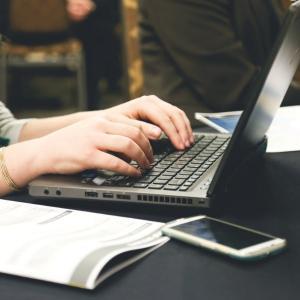 Online education plan gains momentum
