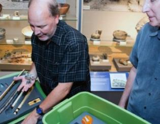 Fossil kits bring CU-Boulder museum to classrooms across Colorado