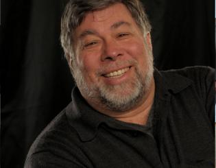 Wozniak to keynote Conference on World Affairs