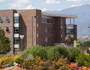UCCS creates new dual graduate program in public administration, sociology