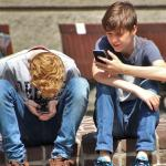 Kids uniquely vulnerable to sleep disruption from electronics