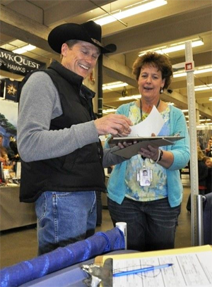 Students volunteer at National Western Stock Show